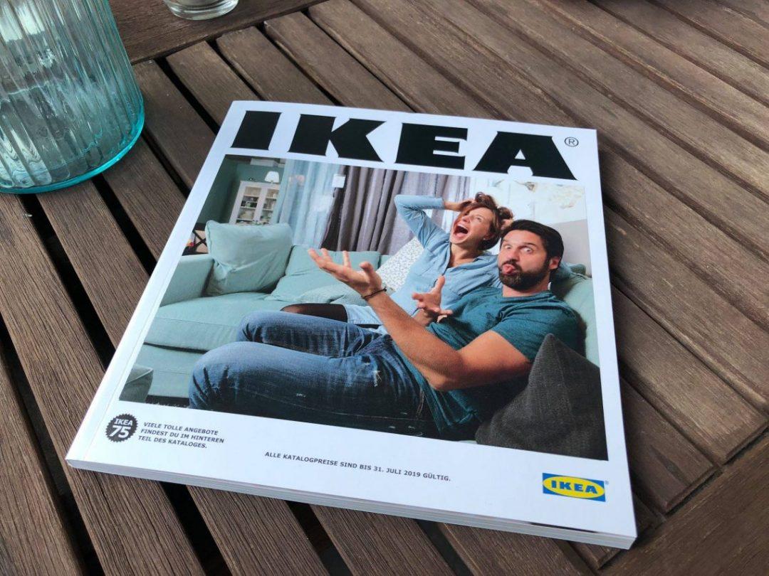 neujahr bei ikea mit einem pers nlichen cover auf dem neuen katalog. Black Bedroom Furniture Sets. Home Design Ideas